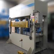 250 Tonnen Hydraulische H-Presse