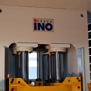 400 Tonnen Hydraulische 4-Säulenpresse Fabrikat INO
