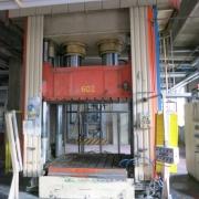 Säulenpressen – hydraulisch 650 Tonnen – Caronno