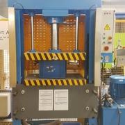 100 Tonnen Hydraulische C-Presse